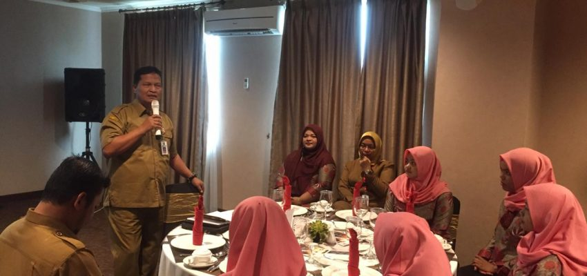 UPW – SMK N 1 Dumai mengadakan pelatihan table manner di Hotel Grand Zuri.